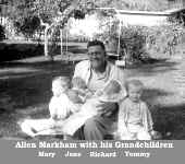 Allen with Grandchildren.JPG (81920 bytes)
